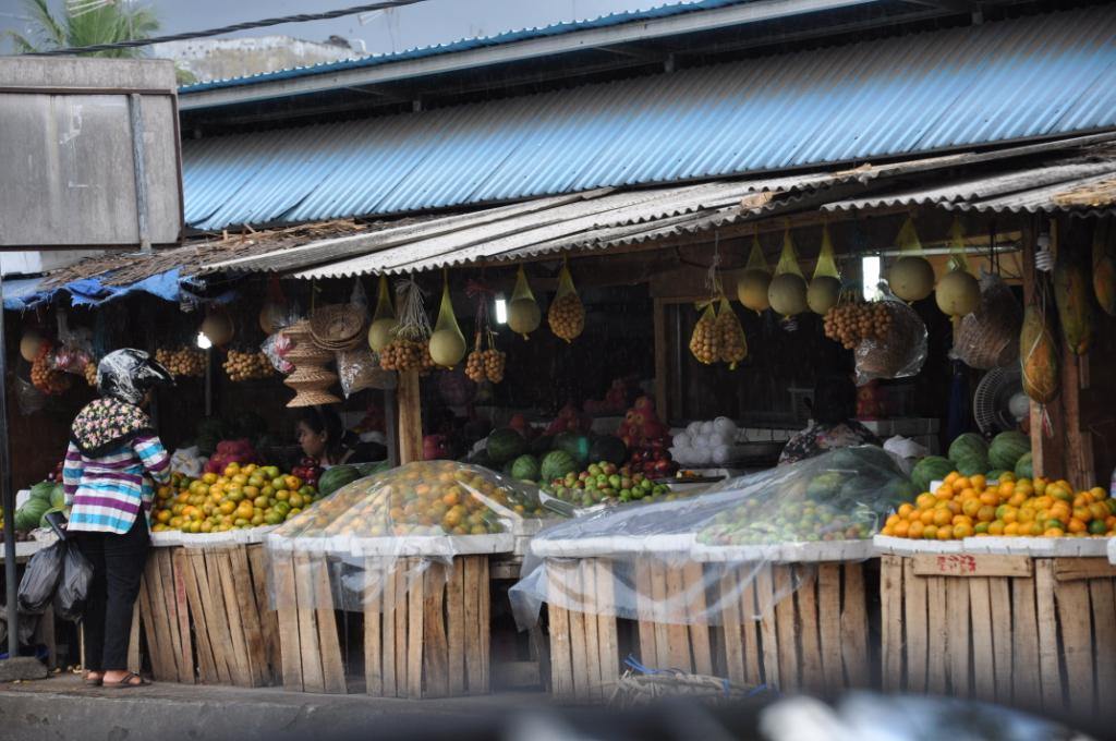 Fruit market in Lampung. Photo by Pratiknyo Purnomosidhi