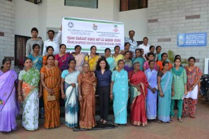 Participants at a TIDE-ICRAF training on improved cook-stove construction, Hassan District, Karnataka State, India. 4 January 2015