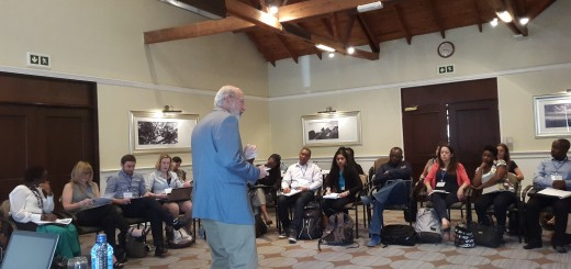 Dr Dennis Garrity shares his different pitching experiences with participants