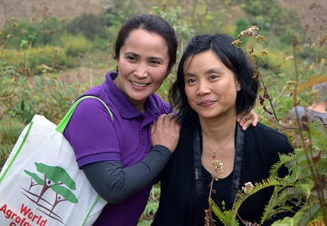 Delia C. Catacutan (left) and Nguyen Thi Thanh An