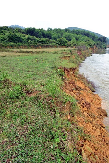 riverbank, erosion, central Vietnam, Viet Nam