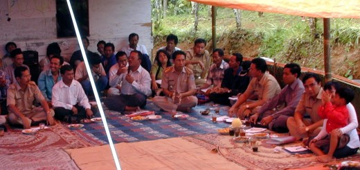 In April 2002, as if in reenactment of the Magna Carta, forestry officials met with local community representatives and agreed to change behaviour, respect laws and negotiate the way the Sumber Jaya landscape in Indonesia was to be managed for public benefits plus local livelihoods. Photo: World Agroforestry Centre