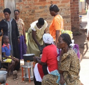 Community demonstration of a gasifier in Uganda. Photo: Awamu