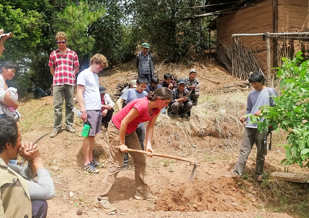 Dr Anne Ostermann demonstrating a simple technique to assess compaction and aggregate stability. Photo: ICRAF East and Central Asia