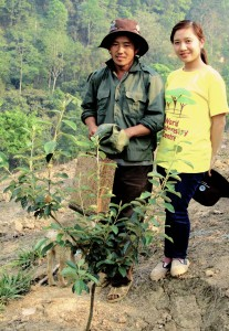 Mr Giang Dung Vu with researcher Lo Thi Kieu. Photo by Tony Bartlett.