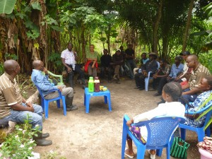 Community consultation on REDD+ in the Democratic Republic of Congo. Diversified AF systems can address all REDD+ objectives such as climate change mitigation, poverty reduction and reduced deforestation if designed appropriately. Photo: ICRAF/ Olivia Freeman