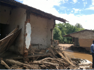 Damage to a house following floods in Malawi. Photo: Malawi Red Cross Society/Augustine Tonde