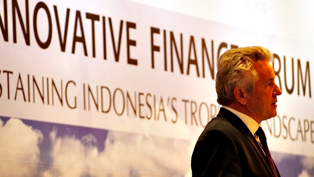 World Agroforestry Centre Director-General Tony Simons addressing the Innovative Finance Forum in Jakarta. Photo: World Agroforestry Centre/Robert Finlayson