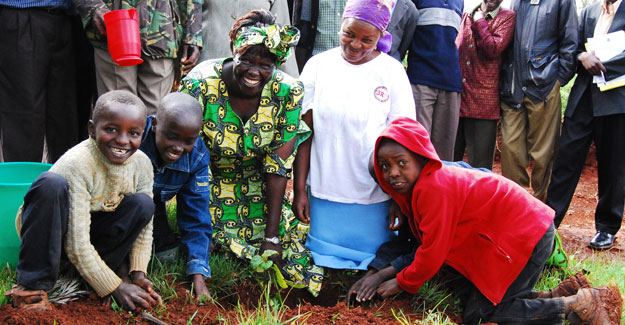 The Green Belt Movement that Prof. Maathai founded has planted over 5 million trees and championed women's empowerment and good governance. Photo courtesy of the Green Belt Movement: http://www.greenbeltmovement.org/sites/greenbeltmovement.org/files/smiling-faces.jpg