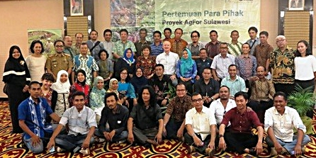 Participants in the AgFor stakeholder meeting in Makassar. Photo: World Agroforestry Centre/Mulus Surgana