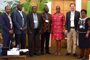 African Soil Seminar Co-Chairs pose with representatives of Host Governments. Photo by IISD