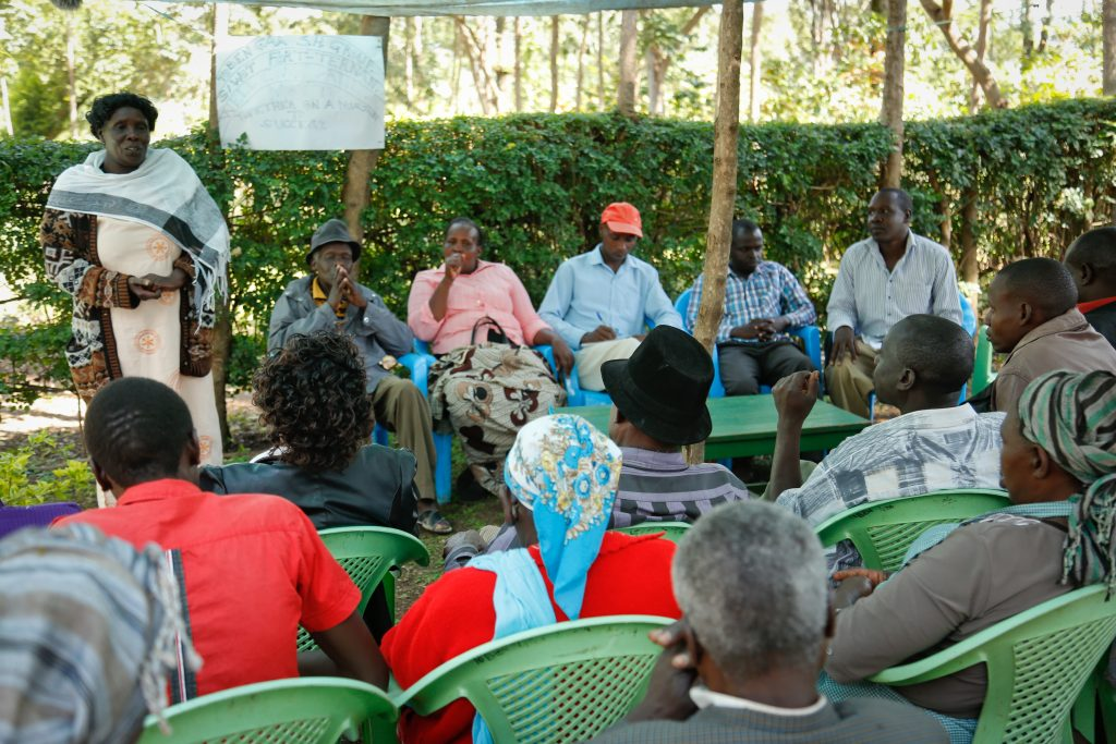 Members of Toben Gaa Self Help Group discuss their plans. Photo: World Agroforestry Centre