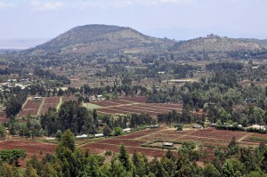 Climate change effects are harder to model in multi-functional landscapes. Photo by Neil Palmer (CIAT), of ploughed fields in Kibirichia, Mount Kenya region. Via Flikr - bit.ly/KBQf7i.