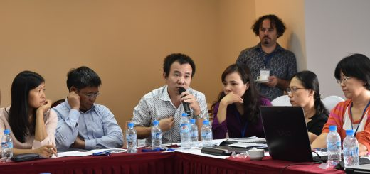 Researchers sharing results of discussions at Humidtropics Central Mekong Action Area 2016 planning meeting in Hanoi, Viet Nam, November 2015. Photo by Lisa Hiwasaki/ICRAF